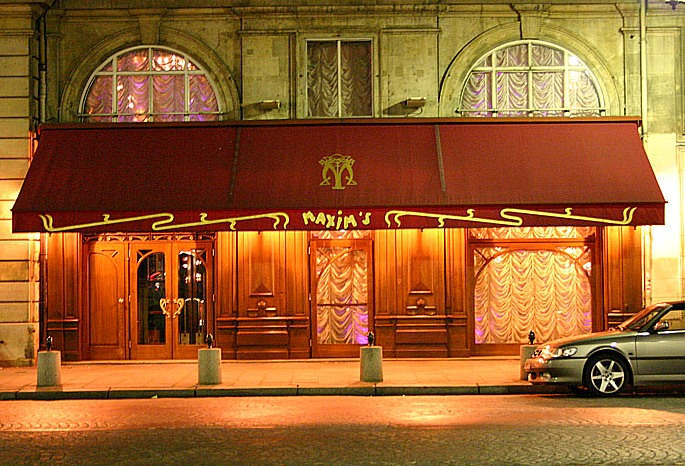 """Maxims in Paris where a scene of the movie Cheri was shot"""