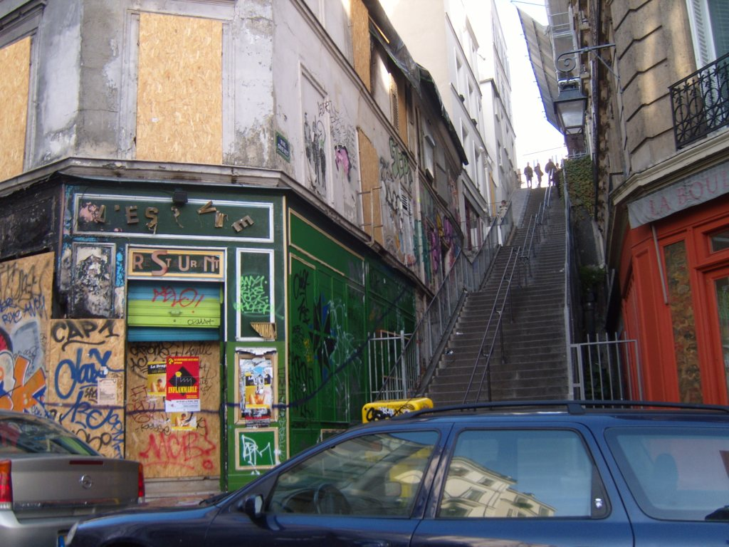 """Rue Drevet where Robert DeNiro appears in film Ronin  in Paris"""