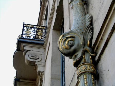 """The most beautiful drainpipe in Paris at the Lauzun Hotel"""